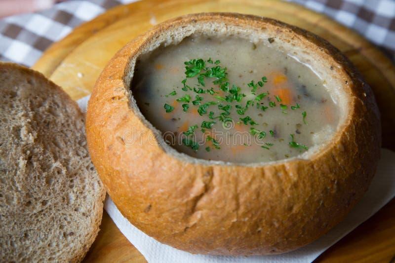 soupe dans le brea images stock