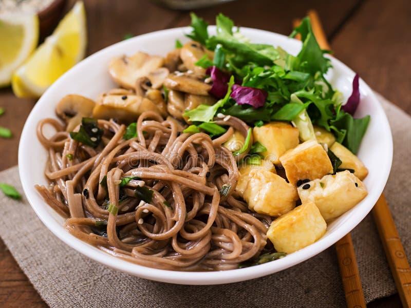 Soupe de nouilles de miso et de soba images stock