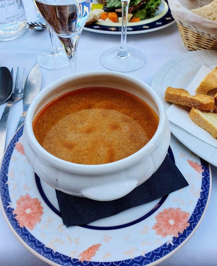 Soupe de poissons de Normandie, cuisine française, gastronomie française photographie stock libre de droits
