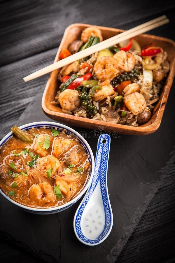Soupe et riz asiatiques à crevette images libres de droits
