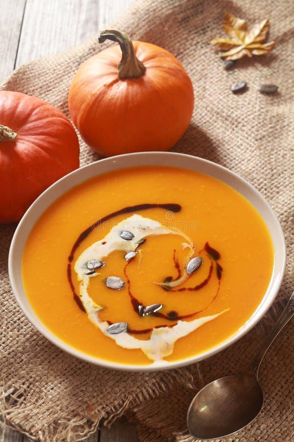 Download Soupe Faite Maison à Potiron Pour Le Thanksgiving Image stock - Image du nourriture, organique: 45357911