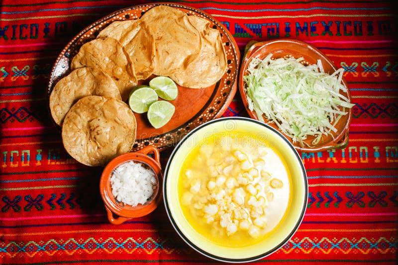 Soupe mexicaine traditionnelle Mexico à maïs de Pozole photos libres de droits