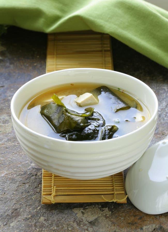Soupe miso japonaise avec le tofu images stock