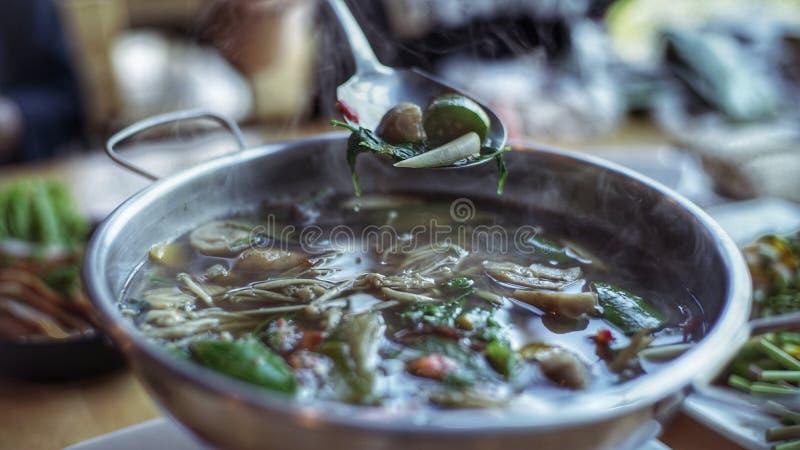 """Soupe thaïlandaise """"à leang de Kang """" image stock"""