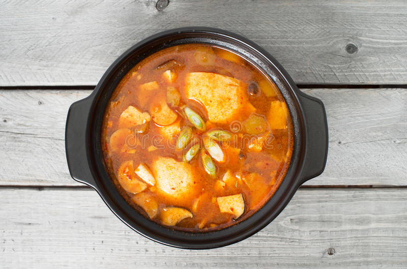 Soupe traditionnelle coréenne à Kimchi image libre de droits