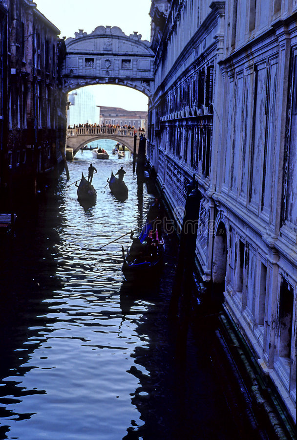 soupirs Venise de l'Italie de passerelle image stock