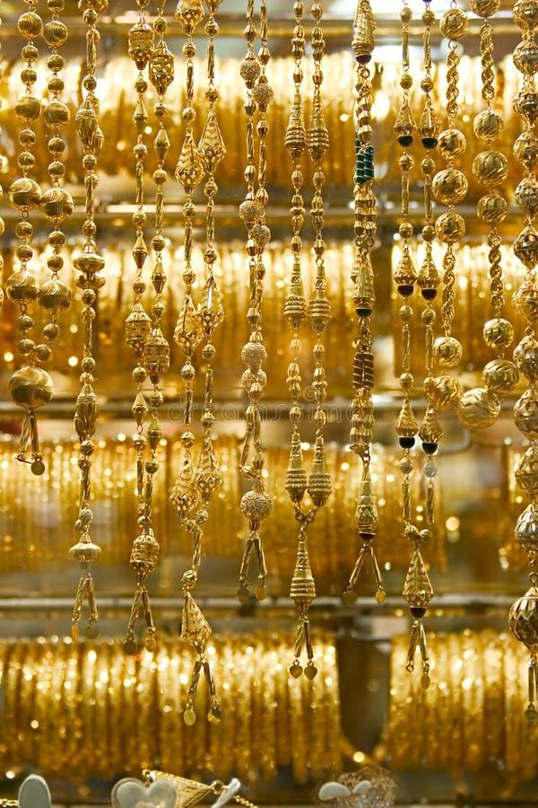 souq för dubai guldhalsband royaltyfri foto