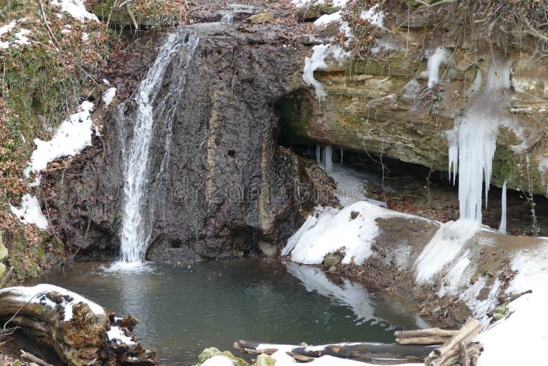 Source de cascade images stock