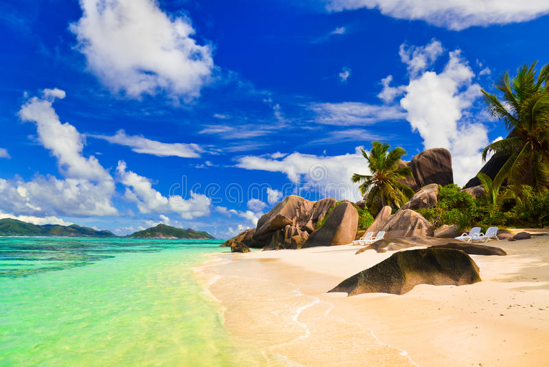 Source de plage d'Argent chez les Seychelles photo libre de droits