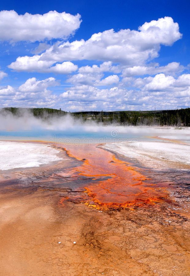 Source prismatique grande de Yellowstone images libres de droits