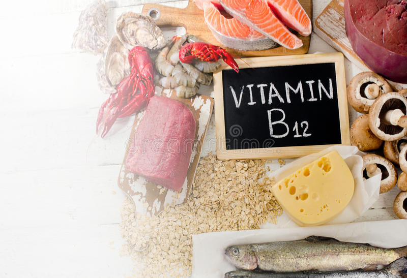 Sources de la vitamine B12 photographie stock libre de droits