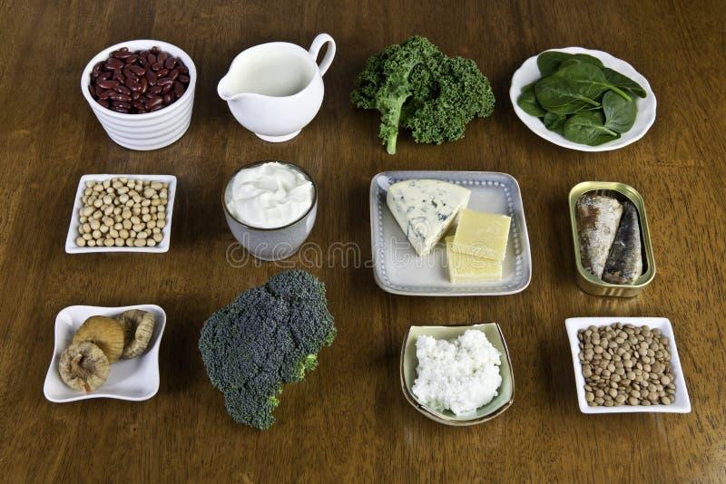 Sources de nourriture de calcium photographie stock