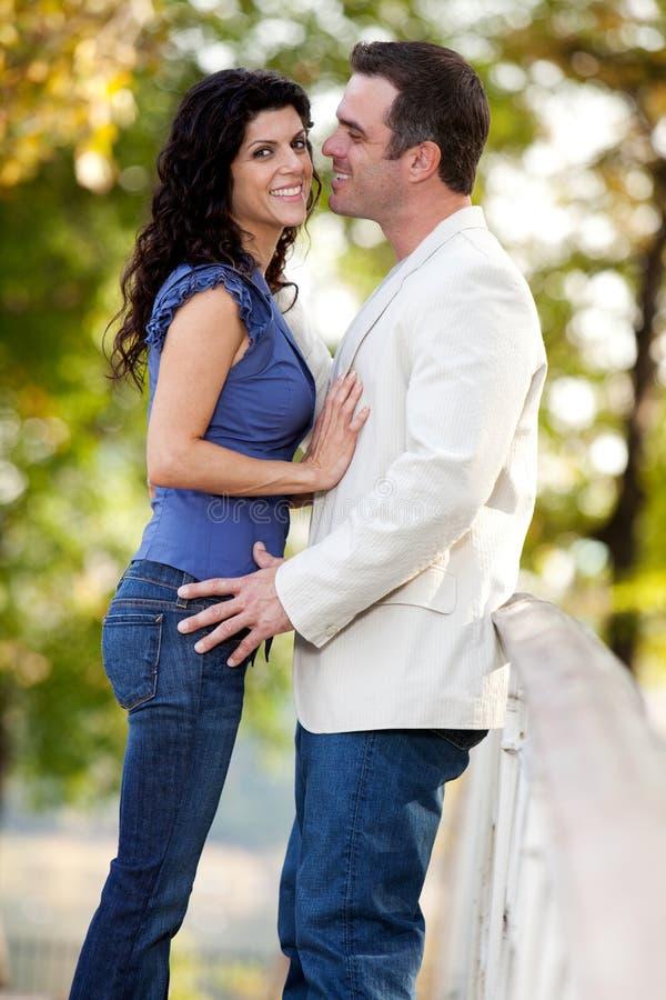 Sourire de couples heureux image libre de droits