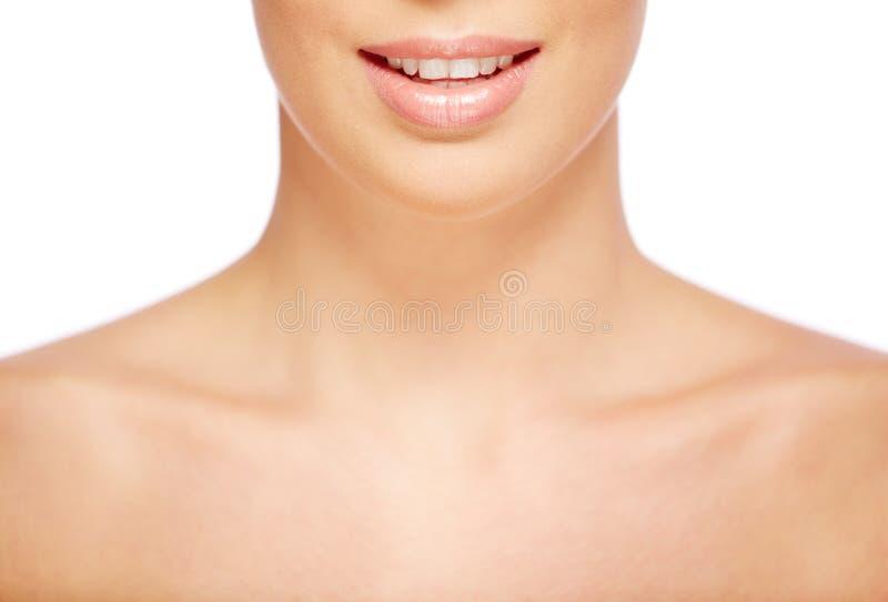 Sourire de femelle photo stock