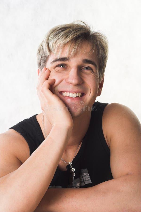 Sourire de jeune homme photographie stock