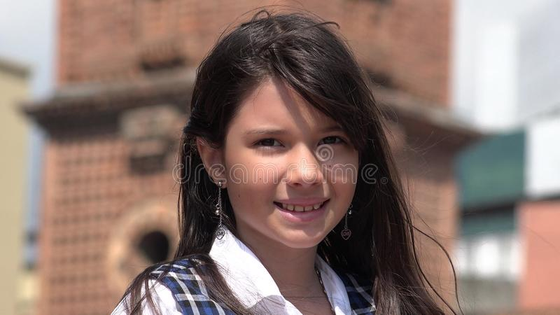 Sourire enfant assez féminin image libre de droits