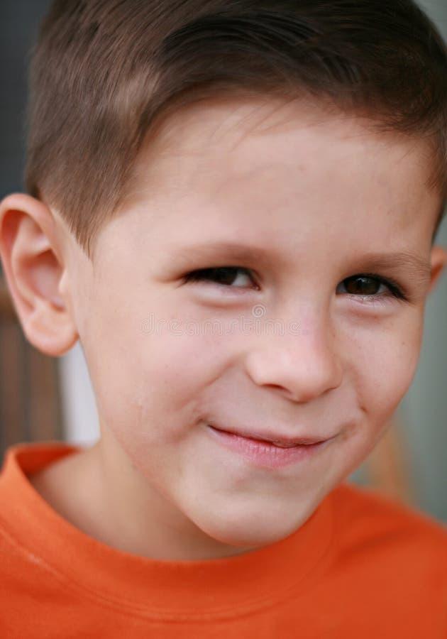 Sourire mignon de garçon photo libre de droits