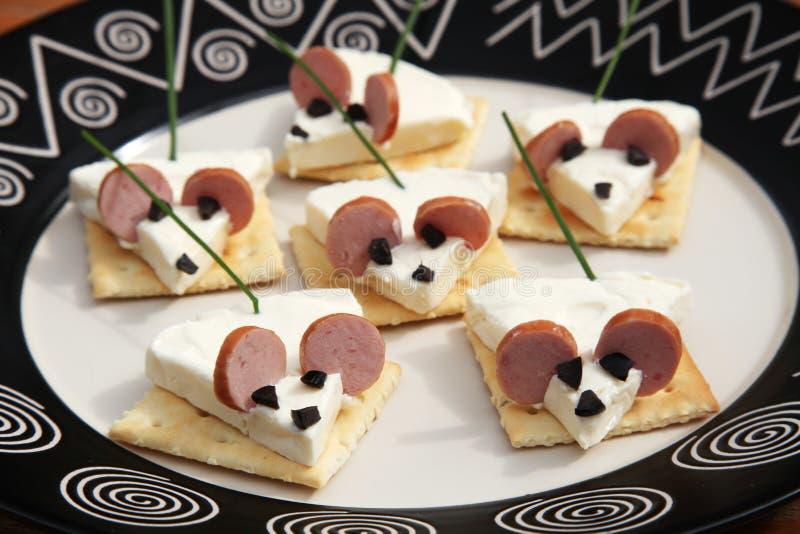 Download Souris drôle de nourriture image stock. Image du viande - 76078305