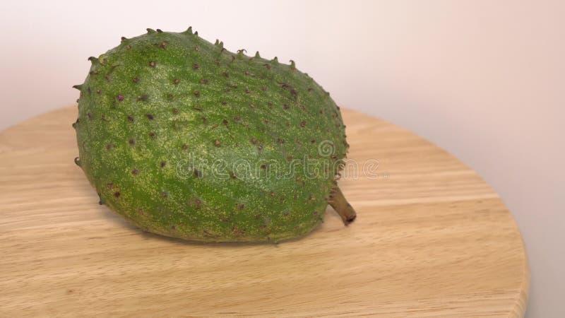 Soursop vaniljsås Apple, Annona muricata L på trätabellen arkivfoto