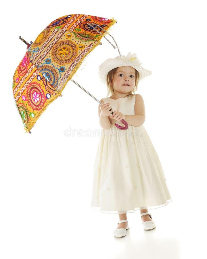 Sous le parasol images stock
