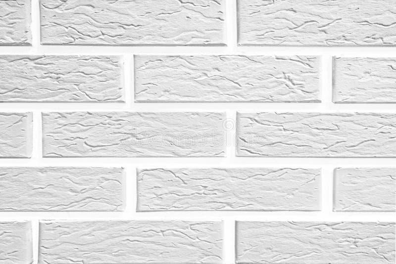 Soustrayez le vieux stuc souillé par texture superficiel par les agents gris-clair et avez vieilli le fond blanc de mur de brique illustration de vecteur