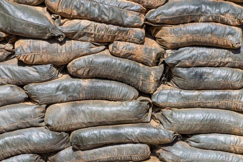 Soute de sac de sable de la vieille base militaire photo stock