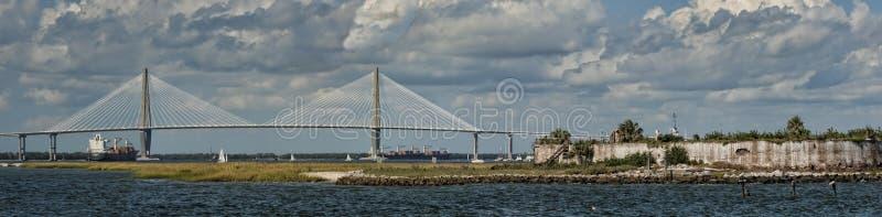 South- Carolinafaßbinder-Fluss Seilzug-bleiben Brücke stockfotos