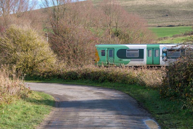 SOUTHEASE, HET OOSTEN SUSSEX/UK - 4 DECEMBER: Trein het naderbij komen Zuiden stock foto's