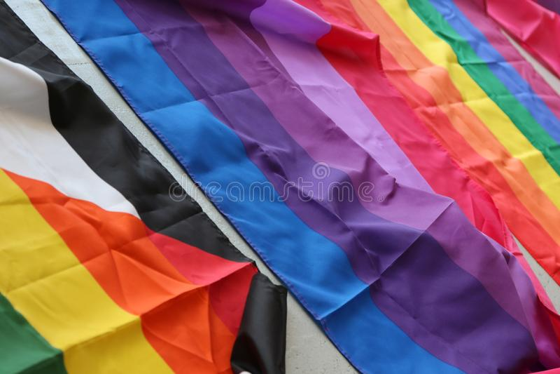 Southend на море, Essex, Великобритании, гей-параде 14-ое июля 2018 испаряется событие, флаги гордости стоковое фото