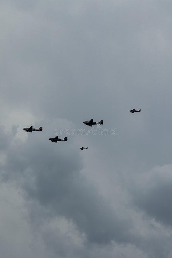 Southend, Essex/Reino Unido - junio, 5,2019 - desfile de aviones del día D imagen de archivo