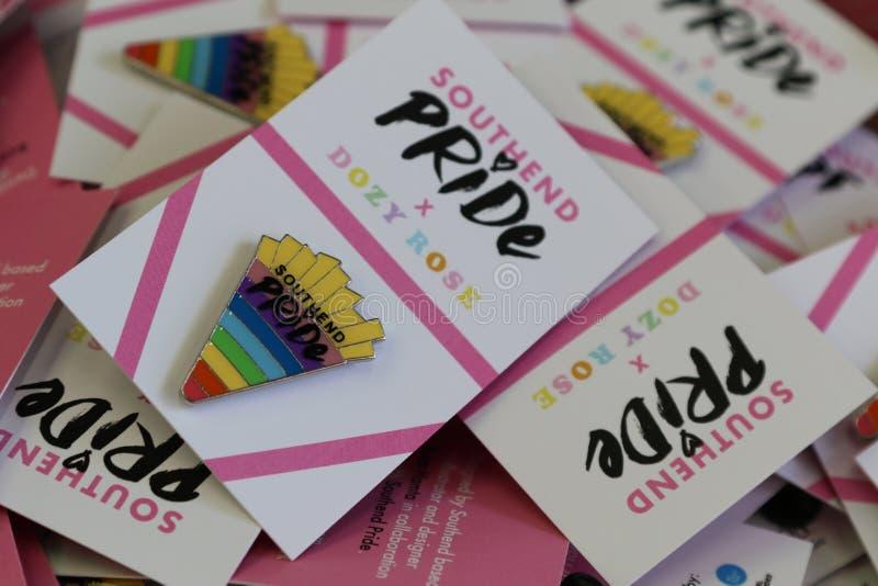 Southend sur la mer, Essex, R-U, le 14 juillet 2018 Gay Pride, goupilles de fierté de Southend image stock