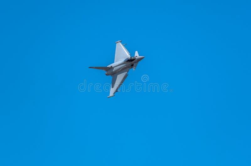 SOUTHPORT UK JULI 8 2018: En perfor för EU2000 Eurofighter Typhoon royaltyfria bilder