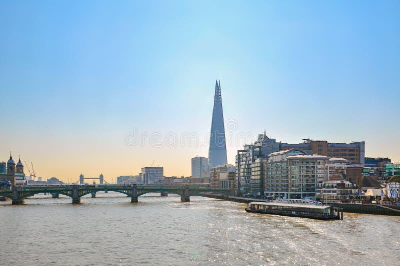 Southwark桥梁在伦敦 图库摄影