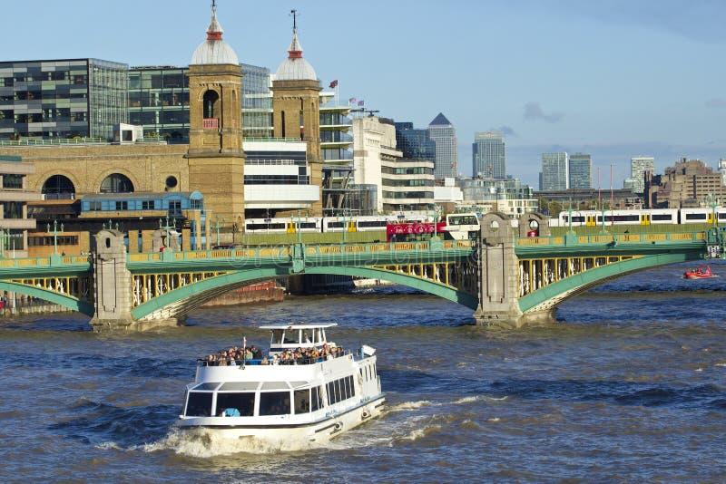 Southwark桥梁,伦敦 免版税图库摄影
