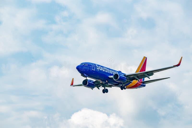 Southwest Airlines Boeing 737 stijgt op royalty-vrije stock afbeelding