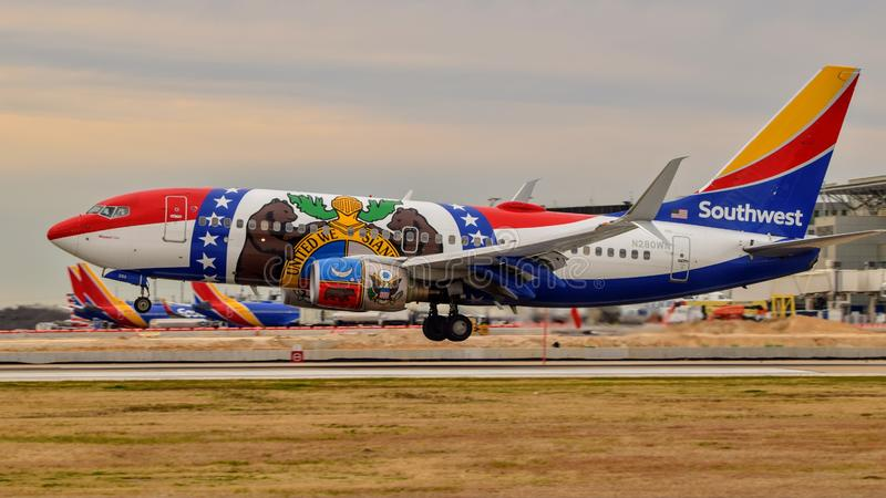 Southwest Airlines `Missouri One` Boeing B737 coming in for a landing royalty free stock photos