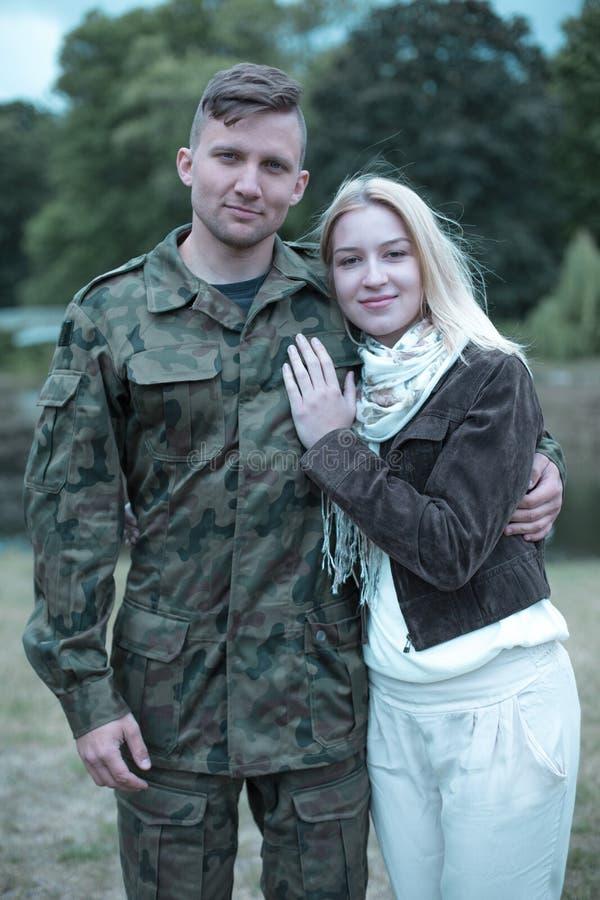 Download Soutien De Son Soldat De Mari Dans Ses Fonctions Photo stock - Image du optimiste, aimer: 77154930