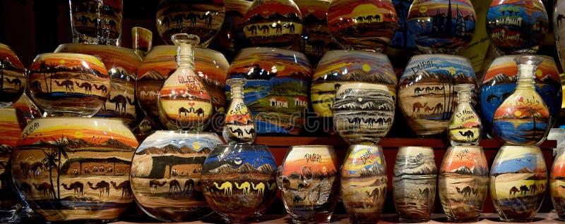 Souvenir de bouteille de sable de Dubaï photographie stock