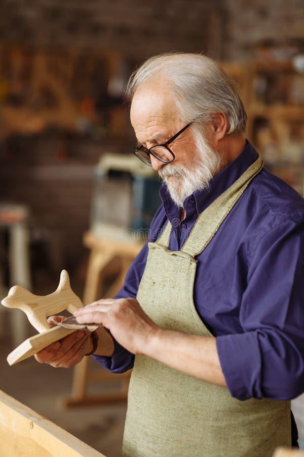 Souvenir en bois parfait Concept de petite entreprise Repos - Cofee potable images stock