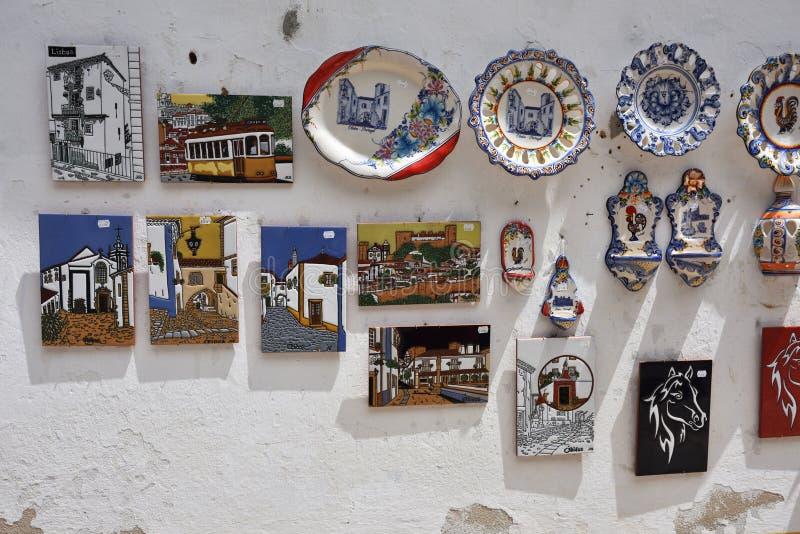 Souvenir på gatorna av den pittoreska staden av Obidos, port royaltyfria foton