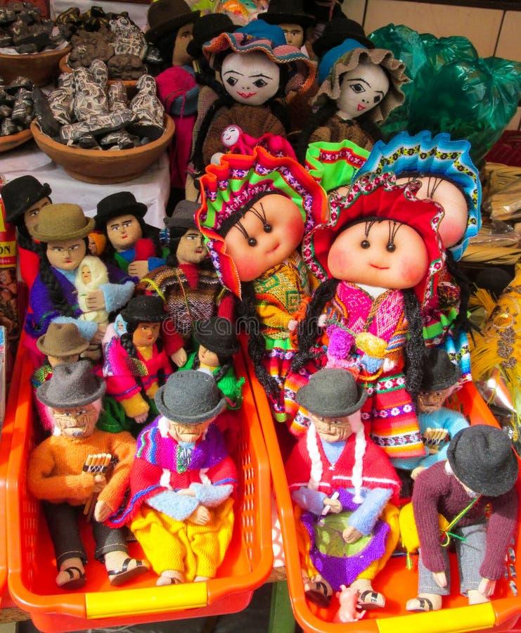 Souvenirdockor i quechua indisk torkduk arkivfoto
