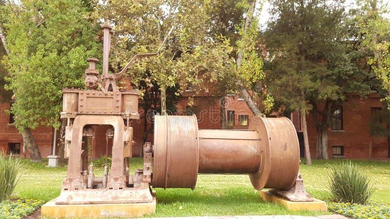 Souvenirs d'industrie sidérurgique par le parc images libres de droits