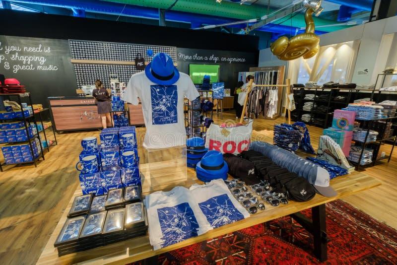Souvenirs dans la boutique de cadeaux au festival de jazz de Montreux photos stock