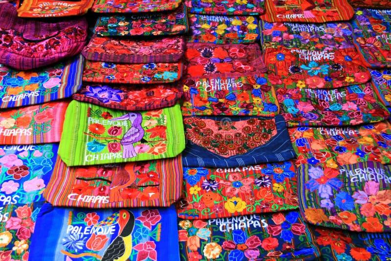 Souvenirs mexicains colorés de Palenque, Mexique photographie stock libre de droits