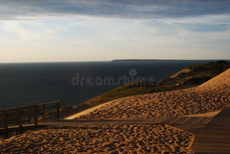 Sova björndyn kust för Lake royaltyfri bild