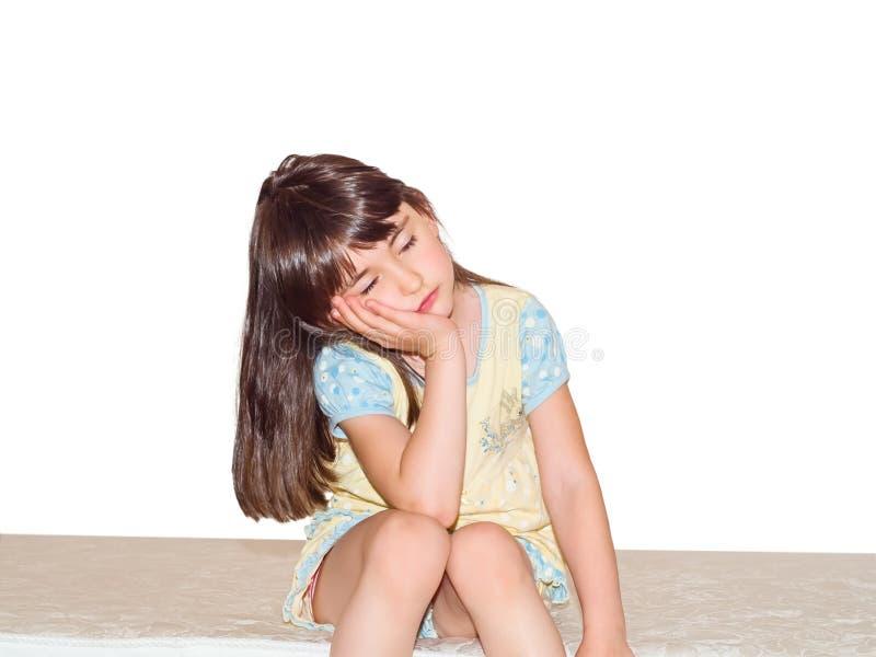 Sova den isolerade flickan royaltyfri bild