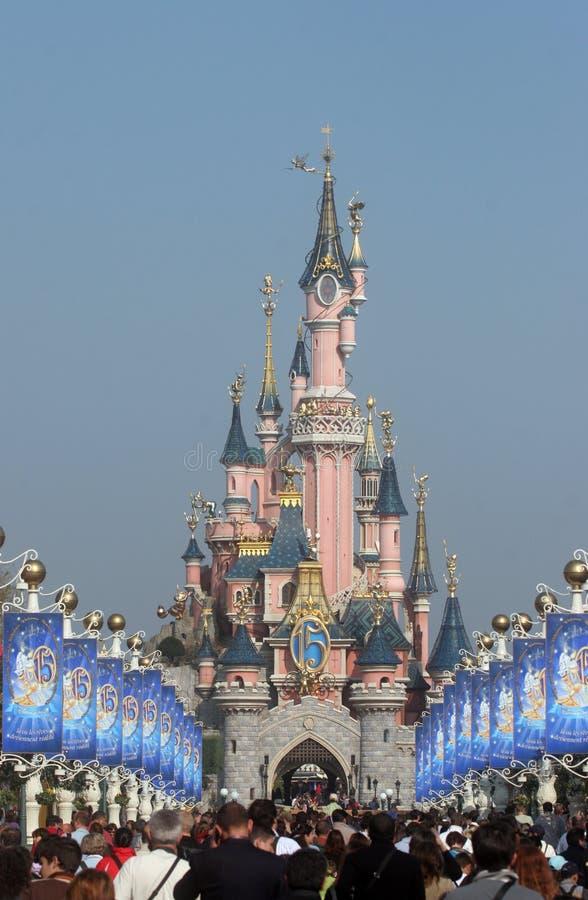 Sova skönhetslotten, Disneyland i Paris royaltyfri fotografi