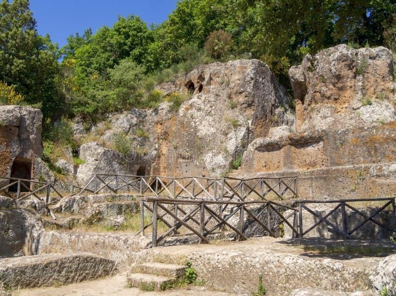 SOVANA, TOSCÂNIA, ITÁLIA - 16 DE JUNHO DE 2019 - túmulo de Ildebranda Sobras da civilização de Etruscan na necrópolis de Etruscan fotos de stock royalty free