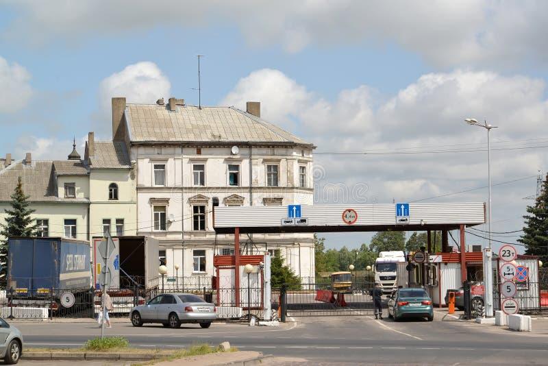 SOVETSK, RUSSIA Controllo ed abitudini del confine Confine del Russo-lituano Regione di Kaliningrad immagini stock