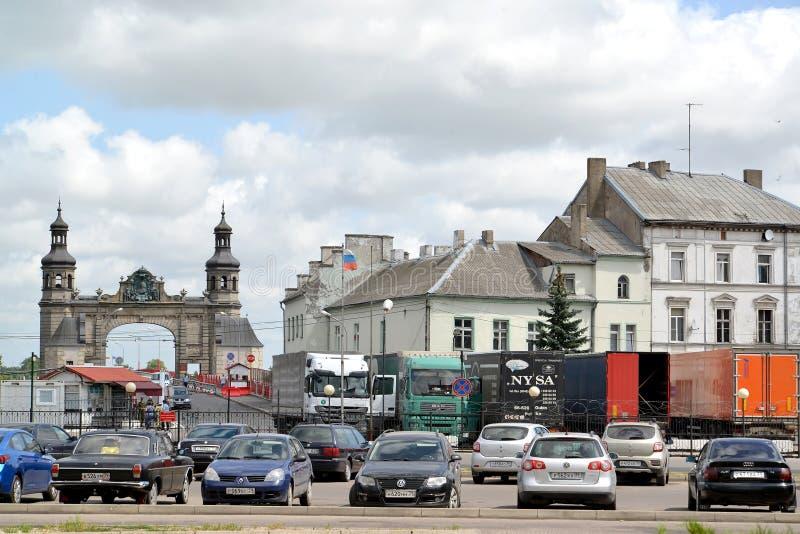 SOVETSK, RUSSIA Vista della transizione e delle abitudini di frontiera Confine del Russo-lituano Regione di Kaliningrad immagine stock